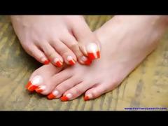 hawt toes, sexy feet, hawt lengthy toenails