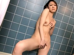 pleasing ruri hayami in the shower washing each