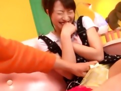 asian angel gives tugjob in sexgames