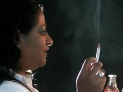 smokin arabianwoman