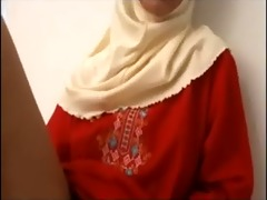 11086673 arab muslim hijab