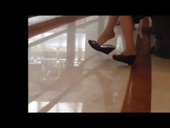 candid asian shoeplay feet dangling stockings