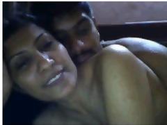 indian housewife having pleasure with boyfriend