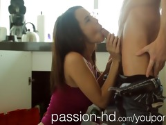 passion-hd plumber lays his pipe in sexually