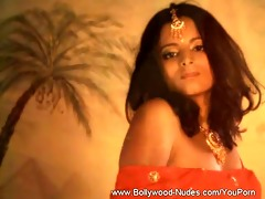 how erotic can not this indian angel be?