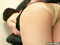 oriental d like to fuck sits and rubs her butt on