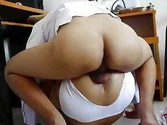 bad butt doctor pumping dat taut thai butt