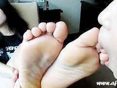 very precious asian toe engulfing