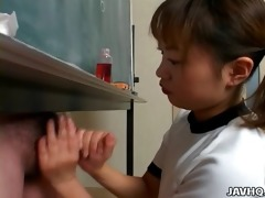 itsuki wakana gives a precious cook jerking