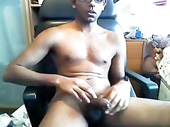 hawt indian boy cum fountain