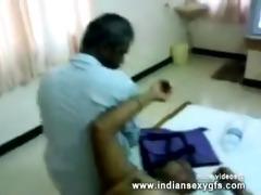 desi excited bhabhi squeezing scoops in hotel